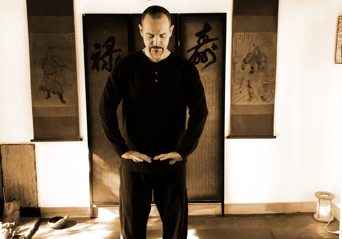 Sifu Tim Franklin Lifting the Sky - Qigong (Chi Kung)